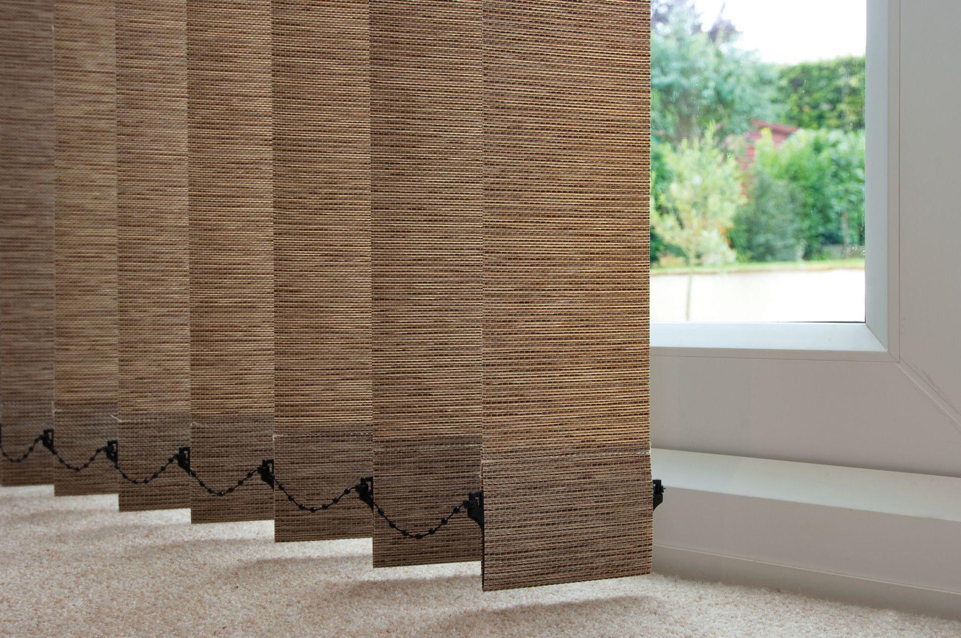 Тканевые вертикальные жалюзи – идеальный вариант для любой комнаты