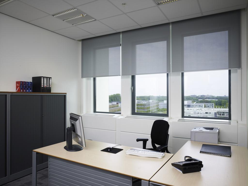 шторы рулонные в офис